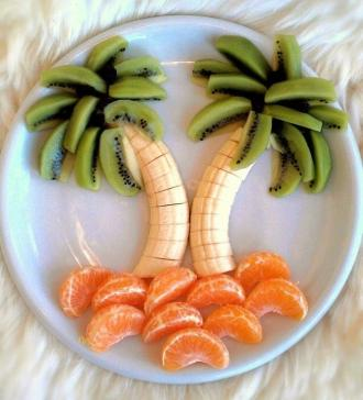 /Files/images/medichna_stornka/harchuvannya/fruktov_vikrutasi/palma-iz-bananov.jpg